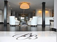 The Beauty Bar of Buckhead front entrance.